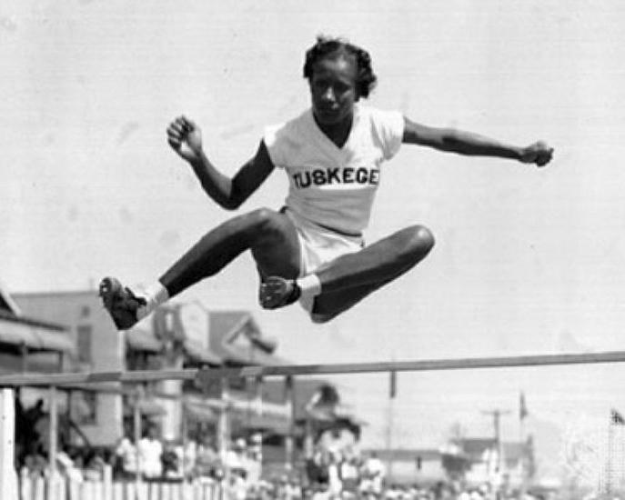 Primeras muejres en el deporte 18 Mujeres en el deporte, nuestros inicios y logros.