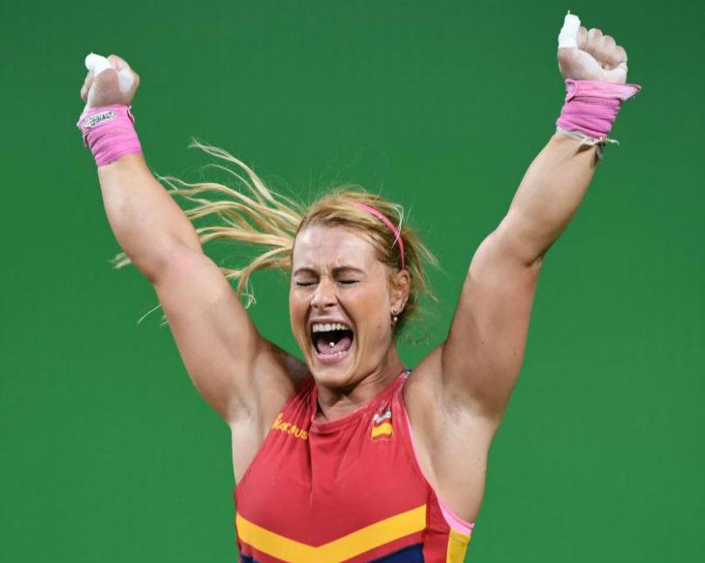 Primeras mujeres en el deporte 12 Mujeres en el deporte, nuestros inicios y logros.