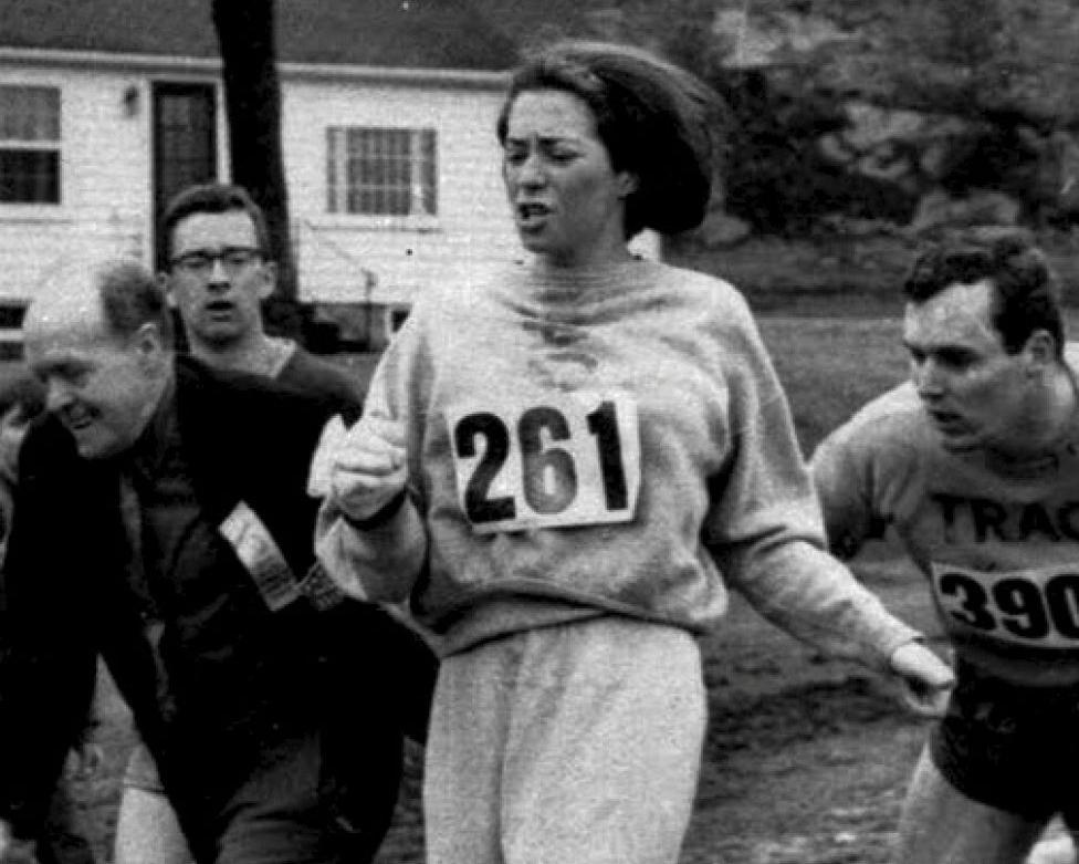 Primeras mujeres en el deporte 13 Mujeres en el deporte, nuestros inicios y logros.