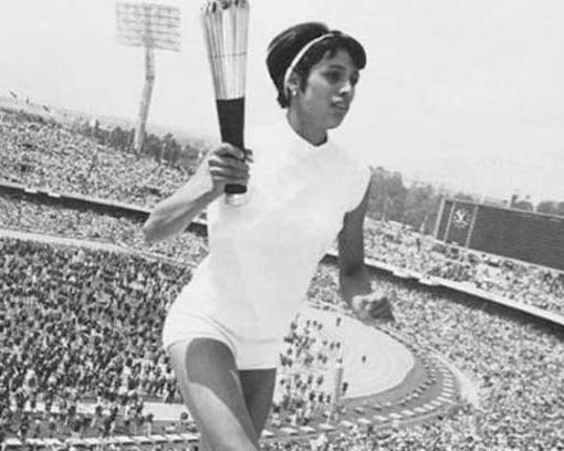 Primeras mujeres en el deporte 5 Mujeres en el deporte, nuestros inicios y logros.