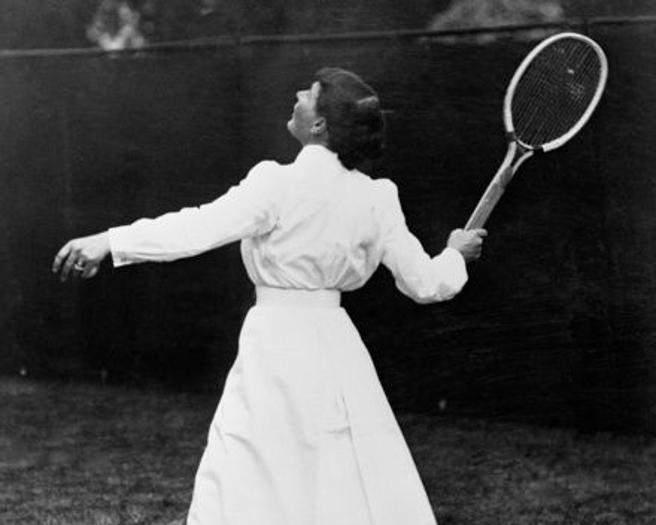 Primeras mujeres en el deporte 9 Mujeres en el deporte, nuestros inicios y logros.