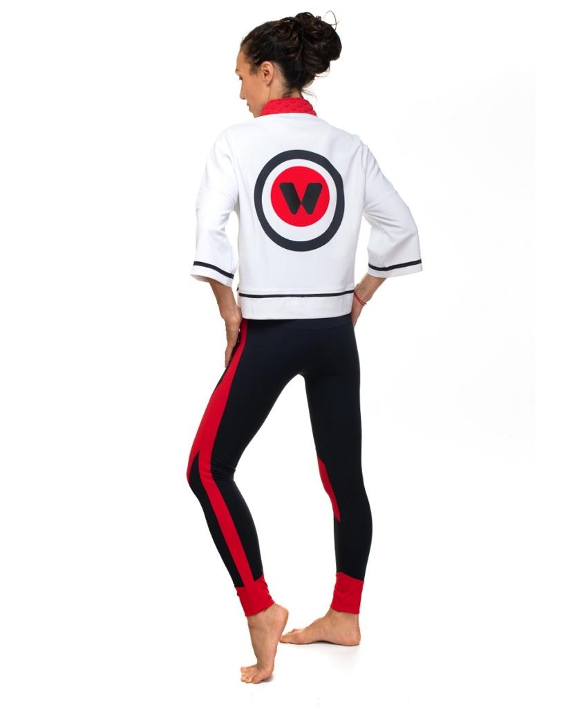 idawen japan sudadera deportiva espalda 1 819x1024 Moda athleisure: looks deportivos que puedes llevar en tu día a día