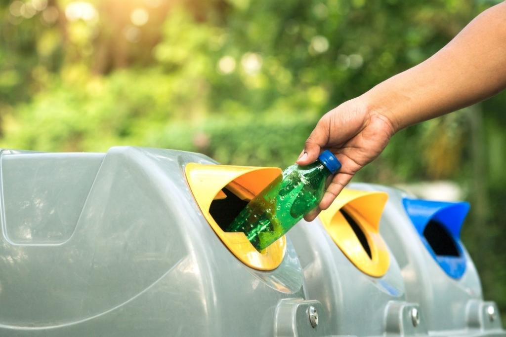 RECICLAR 1024x683 6 cosas sencillas que tú puedes hacer para salvar el medio ambiente
